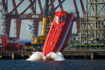 Drop test all sizes Freefall Lifeboats before delivery to ...
